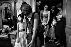 07-film-noir-wedding.jpg 800×534 pixels    Such a cool way to shoot a wedding. We want to do this for our engagement shots.  http://www.billmcculloughphotography.com/portfolio/black-and-white-wedding-film-noir/