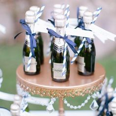 Cheers to the weekend friends! Anyone have exciting plans? I'd love to hear what's on your agenda! Photo by @marin.kristine.photography at @meadowoodnews . . #cheers #champagne #champs #weekend #Saturday #napa #napavalley #visitnapavalley #meadowood #meadowoodwedding #wedding #weddingdesign  #chandon #bubbly #cocktails #weddingdetails #napaweddingplanner #weddingparty #weddingplanner #thatsdarling #flashesofdelight #risingtidesociety #risingtide #weddingphoto by 2chicevents