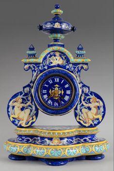 Auguste JEAN, XIXe siècle Pendule en céramique bleue et motifs de style renaissance à décor de femmes dans des encadrements de rinceaux feuillagés. La base est à gorge ornée de frises stylisées et à 3… - Coutau-Bégarie - 29/11/2013 Old Clocks, Antique Clocks, Fancy Clock, Art Decor, Decoration, Liquorice Allsorts, Classic Clocks, Clock Shop, Father Time