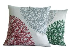 Two geometric cushions. Pillow painted with an abstract work, is therefore a unique piece, there are no two exactly the same. It is an original
