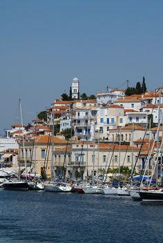 Poros Greece, Wonderful Places, Beautiful Places, Places Ive Been, Places To Visit, Greece Islands, Greece Travel, Santorini, Adventure Travel