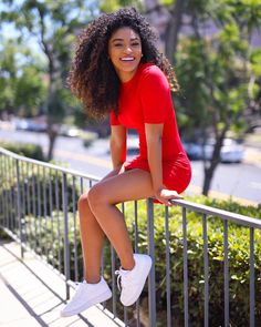 Red haul with Blond bomb hair, and sweet smile, cute girl enjoy the sunshine! Kinky Curly Hair, Curly Girl, Curly Hair Styles, Natural Hair Styles, Tumblr Outfits, Hair Color For Black Hair, Red Hair, Photos Tumblr, Tumblr Girls