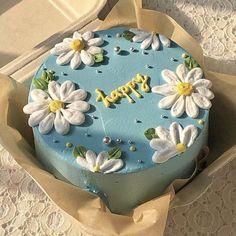 Pretty Birthday Cakes, Pretty Cakes, Beautiful Cakes, Amazing Cakes, Flower Birthday Cakes, 14 Birthday Cakes, Colorful Birthday Cake, Teen Birthday, Mini Cakes