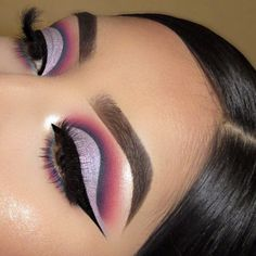 """LOVING this purple/pink look ☁️💘 WEARING: Chasing Rainbows eyeshadow palette + Brow Colour in """"bangin brunette"""" & brow boss gel in dark brown + In nude endo highlighter palette Best Eyeshadow, Eyeshadow Looks, Eyeshadow Makeup, Makeup Brushes, Eyeshadow Palette, Eyeshadows, Maybelline Eyeshadow, Simple Eyeshadow, Yellow Eyeshadow"""