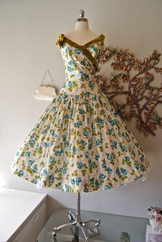 """1950's cotton garden party dress, waist 26"""" - I wish I could wear something like this everyday!"""