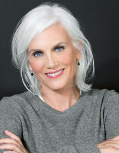 Bobbi Brown's Beauty School: Perfect Makeup for Gray Hair Grey Hair Old, Grey Hair Over 50, Grey White Hair, Long Gray Hair, Silver Grey Hair, Grey Hair Looks, Grey Curly Hair, Grey Eyebrows, How To Color Eyebrows