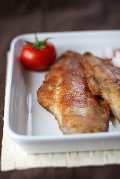 Csibe: Fokhagymás afrikai harcsa Hungarian Recipes, Hungarian Food, Light Recipes, Healthy Life, French Toast, Bacon, Food And Drink, Cooking Recipes, Sweets