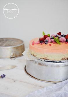 Kesäisen raikas lime-persikkaraakakakku! Vanilla Cake, Panna Cotta, Cheesecake, Lime, Ethnic Recipes, Desserts, Food, Tailgate Desserts, Dulce De Leche