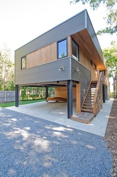 Image 44 of 46 from gallery of North Fork Bay House / Resolution: 4 Architecture. Photograph by Resolution: 4 Architecture Building A Container Home, Container House Design, Modern House Plans, Modern House Design, Future House, House Cladding, Casas Containers, House On Stilts, Prefab Homes