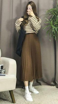 Korean Fashion – How to Dress up Korean Style – Designer Fashion Tips Korean Girl Fashion, Korean Fashion Trends, Ulzzang Fashion, Korean Street Fashion, Muslim Fashion, Asian Fashion, Korea Fashion, Fashion Fall, Fashion Men