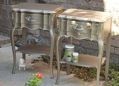 French furniture makeover metallic paint Ideas for 2019 Metallic Painted Furniture, Paint Furniture, Metal Furniture, Furniture Projects, Furniture Making, Furniture Makeover, Silver Furniture, Furniture Stores, Rustic Furniture