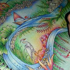 Finalizando os últimos detalhes...  #FlorestaEncantada #enchantedforest #johanna_basford #johannabasford #coloringbook #Euamopintar #nossojardimsecreto #editorasextante #antiestresse #arteterapia #artecomoterapia #coloringtherapy #coloriage #lapisdecor #coloredpencils #staedtler #fabercastell #maped #marcoraffine #raffine #aquarelável #Minha_FlorestaEncantada #oceanoperdido #lostocean # # # #✏ # #