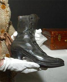 Black leather boot Empress Elisabeth