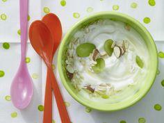 Power-Quark mit Weintrauben - Kinderfrühstück (1–6 Jahre) - smarter - Kalorien: 218 Kcal - Zeit: 15 Min. | eatsmarter.de Nicht nur für Kinder ein gesundes Frühstück!