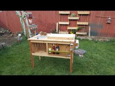 How to Build a Rustic Cooler -- by Home Repair Tutor Ice Chest Cooler, Cooler Box, Beer Cooler, Wood Cooler, Patio Cooler, Wooden Diy, Wooden Boxes, Wooden Ice Chest, Grill Cart
