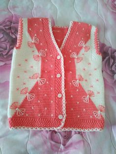 """This post was discovered by Nai """"Very nice embellishments"""", """"This post was discovered by Hem"""" Baby Knitting Patterns, Baby Cardigan Knitting Pattern Free, Free Baby Blanket Patterns, Baby Boy Knitting, Vest Pattern, Knitting Designs, Knit Baby Sweaters, Knitted Baby Blankets, Tricot Simple"""