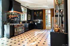 La Cornue cuisinière Château 120 Noir mat, cadres inox et garnitures cuivre  Meubles Chambord #3 - La Cuisine Française