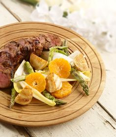 This is a substantial dish full of South African sunshine, the sweet ClemenGolds tenderise and flavour the meat and the juices add to the salad. Pork Fillet, Honey Glaze, Glaze Recipe, Pork Dishes, Festive, Favorite Recipes, Salad, Beef, Stuffed Peppers