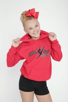 Hi I'm Jojo!! I'm 14 and single!! My love dance and BOWS!!!!! I dance at aldc!! I love them there!! I love aldc!!!!