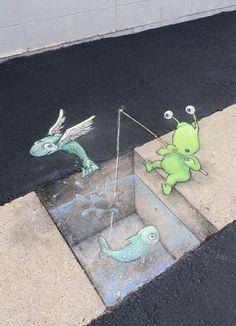 Chalk Street Art – 37 new adorable creations by David Zinn and his Sluggo 3d Street Art, Murals Street Art, Street Art Graffiti, Mural Art, Street Artists, Graffiti Artists, David Zinn, Chalk Artist, 3d Chalk Art