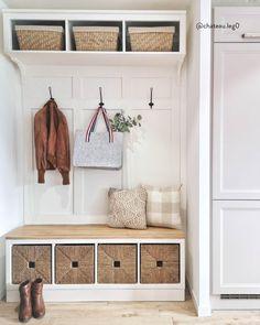 Home Room Design, House Design, Entryway Decor, Bedroom Decor, Flur Design, House Entrance, Mudroom, Home Organization, Diy Furniture