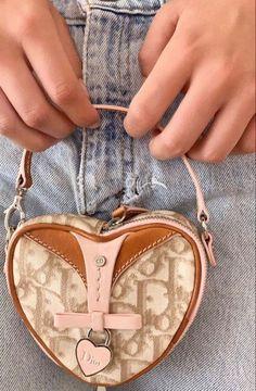 Luxury Purses, Luxury Bags, Cute Handbags, Purses And Handbags, Aesthetic Bags, Aesthetic Clothes, Cristian Dior, Mode Chanel, Vetement Fashion
