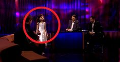 """Seven-Year-Old Girl Stuns Crowd With Her Vocal Performance Of """"Fly Me To The Moon""""."""
