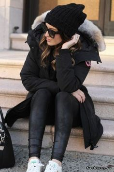 All black winter style – beanie and Canada Goose parka (and Adidas Stan S… LOVE! All black winter style – beanie and Canada Goose parka (and Adidas Stan Smith sneakers) Related Warm. Parka Outfit, Fall Winter Outfits, Autumn Winter Fashion, Dress Winter, Winter Clothes, Winter Dresses, New York Winter Outfit, Spring Outfits, Winter Outfits Casual Cold