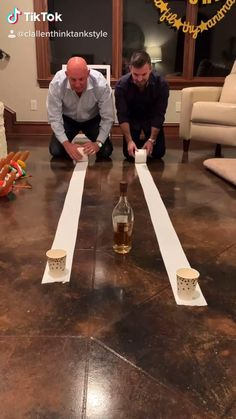 Funny Games For Groups, Funny Party Games, Family Party Games, Family Reunion Games, Adult Party Games, Christmas Party Games, Minute To Win It Games For Adults, Animation Soiree, Drunk Games