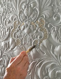 Getting a twotone effect with paintable wallpaper First