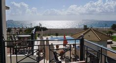 Coralli features quality rooms and apartments with both sea and mountain views, restaurant, lounge, interior and pool bars, swimming pools (including a jacuzzi pool).  ****** Διακοπές στο Coralli Με υπέροχα δωμάτια και διαμερίσματα, με θέα σε βουνό και θάλασσα, εστιατόριο, εσωτερικά και εξωτερικά μπαρ, πισίνα με υδρομασάζ, και ξαπλώστρες - ομπρέλες στην παραλία, στο Coralli θα ζήσετε τις πιο αναζωογονητικές διακοπές για σας και την οικογένειά σας. #visitgreece #Coralli_Hotel #halkidi