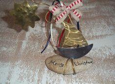 Γούρι 2014 μεταλλικό επιτραπέζιο με καραβάκι-αστεράκι ένα ξεχωριστό δώρο. Christmas Angels, Xmas, Christmas Ornaments, Resin Crafts, Pomegranate, Charmed, Holiday Decor, Handmade, Gifts