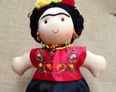 Muñeca de tela Frida Kahlo por ManikaDolls en Etsy