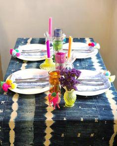 Pom Pom Tassel Shibori Napkins The Neon Tea Party Color Crafts, Tie Dye Patterns, Diy Party, Party Ideas, Shibori, Colorful Decor, Tassels, Napkins, Entertaining