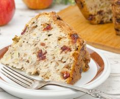 Gluten Free Cranberry Bread Recipe: http://glutenfree.answers.com/desserts/gluten-free-cranberry-bread-with-apples-and-walnuts #glutenfree