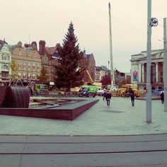 Nottingham by day all the Halloween stuff gone and an Xmas  gone up. Market Square looking all festive already.  #nottingham #notts #ng2 #ng1 #XmasinNotts #Xmastree