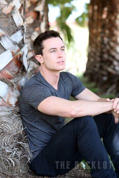 I pinned this because... Ryan Kelley (I fell in love with Ryan Kelley back in my teen years when he played 'Ryan James' in Smallville)