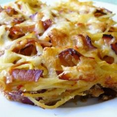 Sonkás-gombás rakott spagetti Mac And Cheese Pasta, Hungarian Recipes, Pasta Noodles, Ravioli, Hawaiian Pizza, Lasagna, Spagetti, Food Porn, Food And Drink