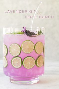This Lavender Gin and Tonic is so light and refreshing! It's naturally flavored and the beautiful purple color is from butterfly pea tea. An absolutely perfect party punch for spring and summer drinks Lavender Gin and Tonic Punch Summer Cocktails, Cocktail Drinks, Brunch Drinks, Cocktail Ideas, Triple Sec, Perfect Gin And Tonic, Gin Und Tonic, Butterfly Pea Tea, Ideas Party