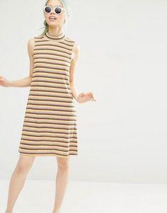 Monki – Hochgeschlossenes, geripptes Kleid mit Streifen