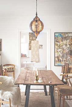 We love everything about this room from the Moroccan inspired pendant to the whimsical painting Kitchen Dining, Dining Room, Dining Table, Home 21, Bohemian Decor, Kitchen Interior, Rustic Decor, Decor Styles, Ikea