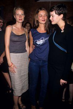 Gwyneth Paltrow, Kate Moss et Liv Tyler au concert de Beck au club The Roxy à New York, le 15 septembre 1998