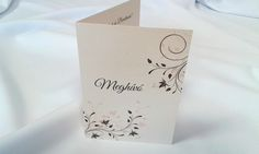 egyedi grafikus esküvői meghívó 074.1 Place Cards, Place Card Holders