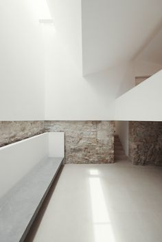 Image 3 of 31 from gallery of House in Janeanes / Branco-DelRio Arquitectos. Photograph by do mal o menos