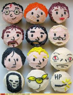 Harry Potter cupcakes! Perfect for the birthday coming up!