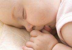 Somnul bebelusului tau -->> http://sfaturi-medicale.info/tot-ce-trebuie-sa-stii-despre-somnul-bebelusului-tau/