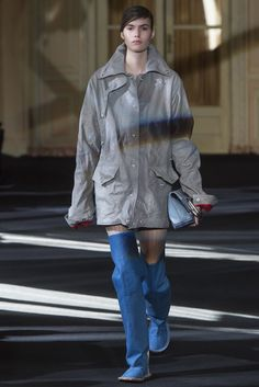 Acne Studios Fall 2016 Ready-to-Wear Collection Photos - Vogue