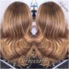 Flash shot  #Balayage #balayagehair #balayageombre #naturalhair #instahair #hairinspo #hairenvy #brownhair #blondehair #hair #haircolorist #hairstylist #curls #waves #wella #wellalife #wellahair #wellaeducation #wellacolor #olaplex #olaplexdanmark #olaplexkøbenhavn #frisør #frisørkøbenhavn #frederiksberg @wellaeducation @wellapro_anz @wellahair @modernsalon @behindthechair_com @guy_tang @salonguys