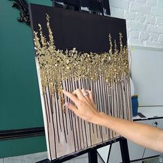 Glitter Art, Art Inspo, Drip Painting, Painting & Drawing, Gold Leaf Art, Diy Canvas, Paper Birds, Acrylic Art, Medium Art