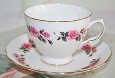 Royal Vale english vintage teacup with saucer with door HomiArticles